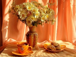 bouquet, Cookies, tea, marguerites